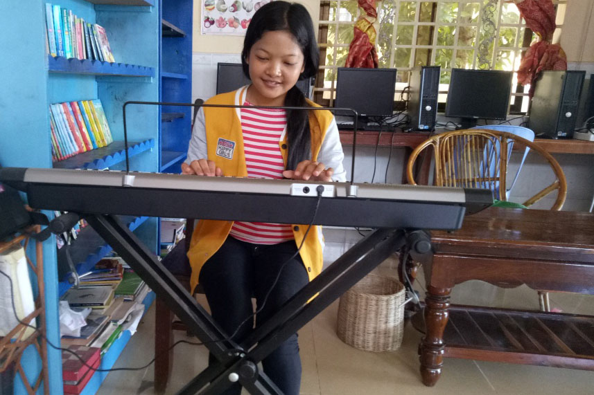piano playing - Copy